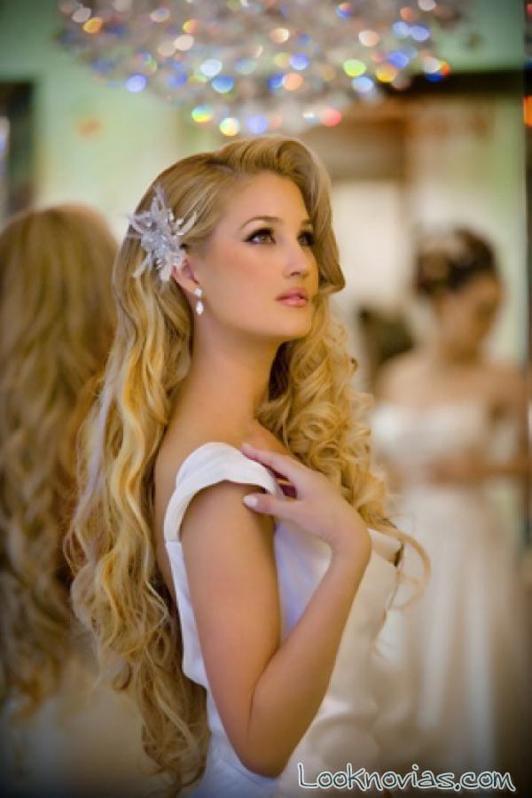 Peinados novia pelo largo semi recogido