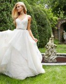 Vestidos de novia para otoño 2015 por Alvina Valenta