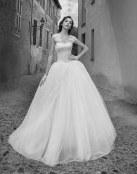 Alessandra Rinaudo nos muestra más de su colección de novia