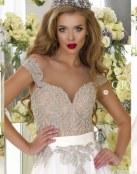 Las tendencias en novia se unen a la elegancia