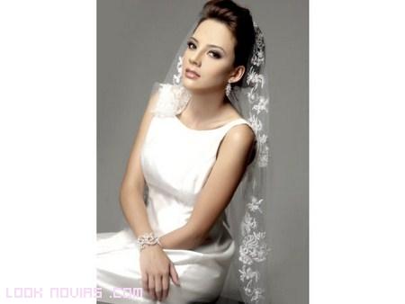 mantilla bordada a mano para novias