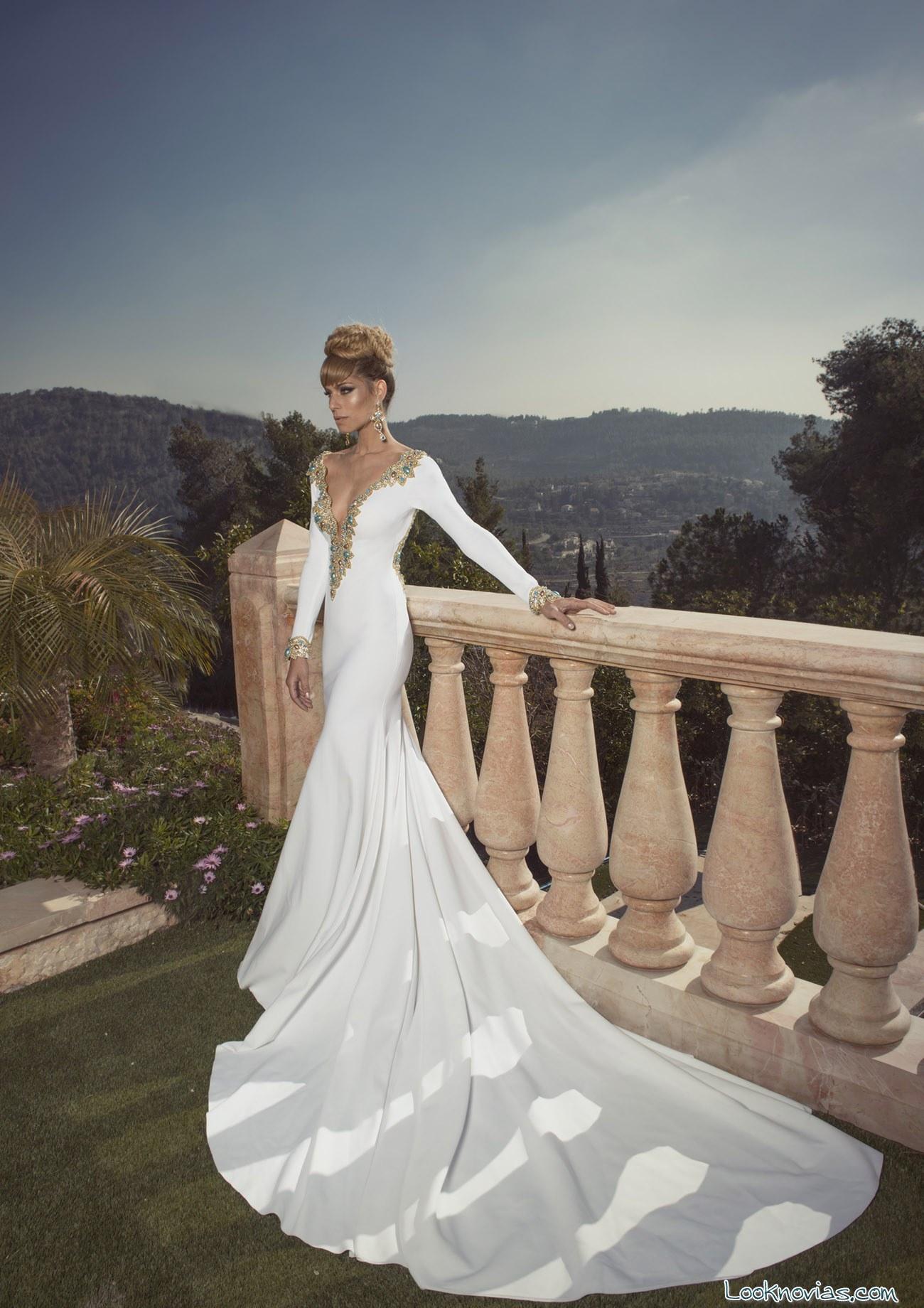 vestido blanco de novia con pedrería en dorado