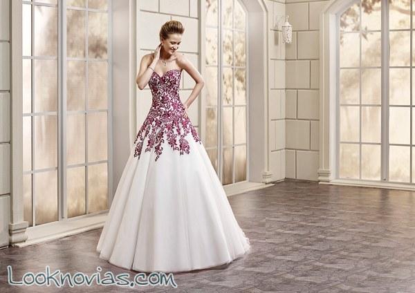 Vestidos de novia en color gracias a Bouquet