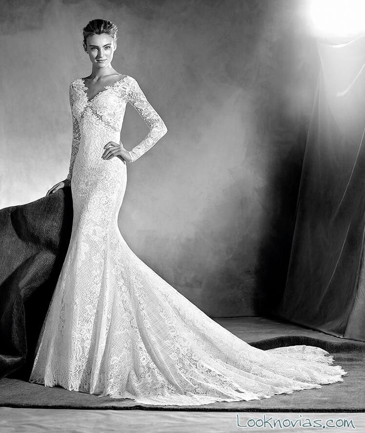 vestido con escote atelier pronovias 2017