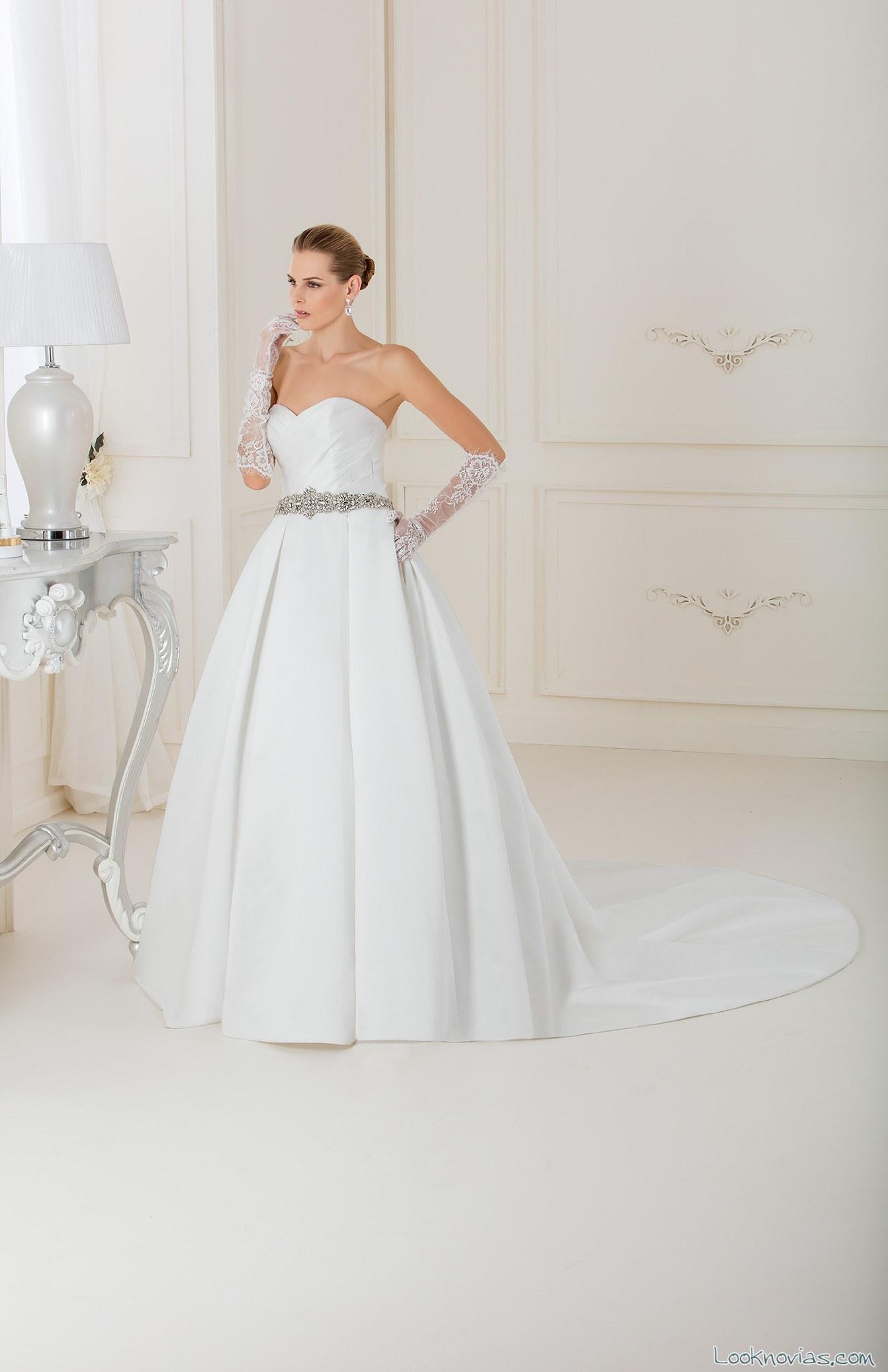 vestido con falda plisada de impero couture