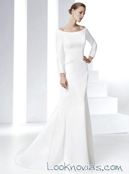 vestido con mangas novias minimalistas