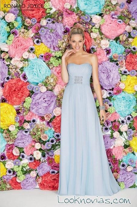 vestido de dama en azul pastel