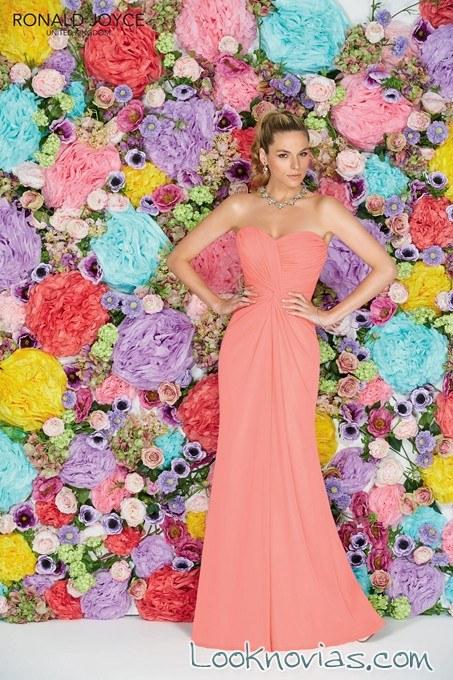 vestido de dama en color coral