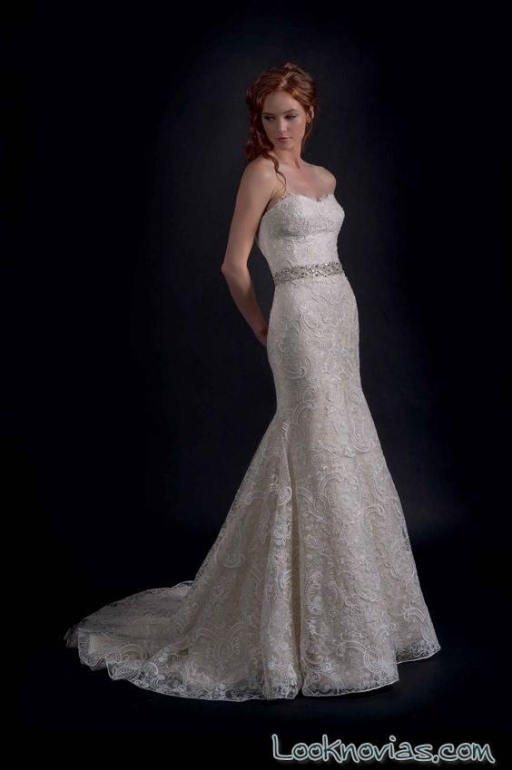 vestido de novia con cinturón de pedrería otoño 2016