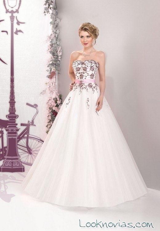 Vestidos de novia sencillos bordados
