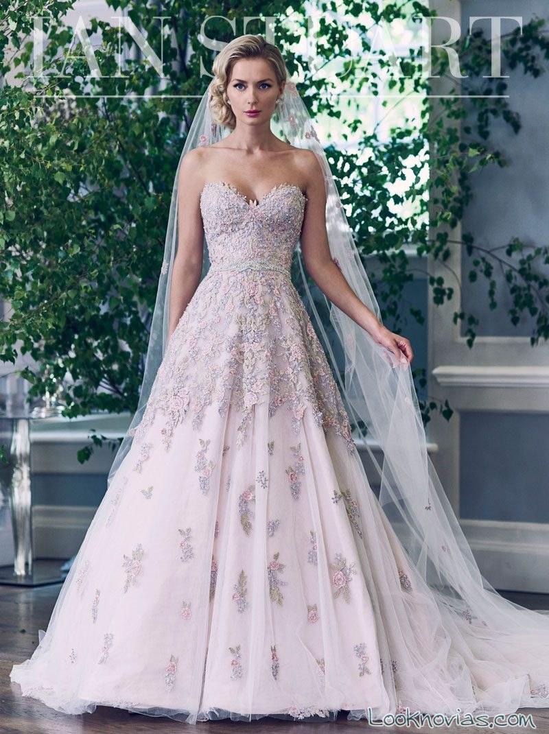 vestido de novia con encajes elegantes