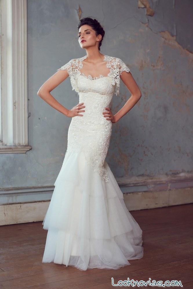 vestido de novia con mangas bordadas
