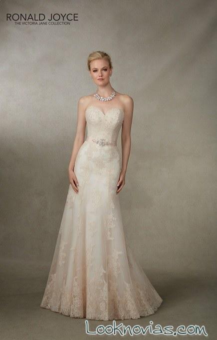 vestido de novia con pinceladas en color