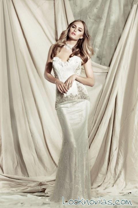vestido de novia con tejido satinado y recto