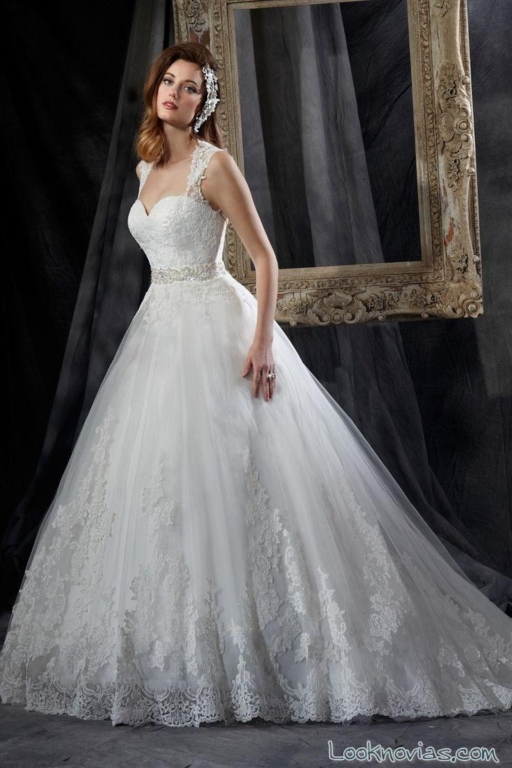 vestido de novia con tirantes de karelina sposa