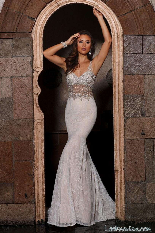 vestido de novia con transparencias en el cuerpo