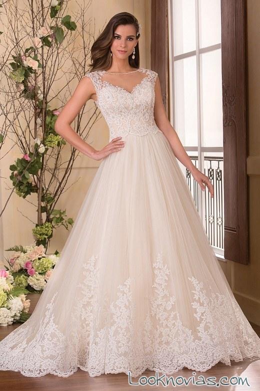 vestido de novia con tul y color jasmine bridal
