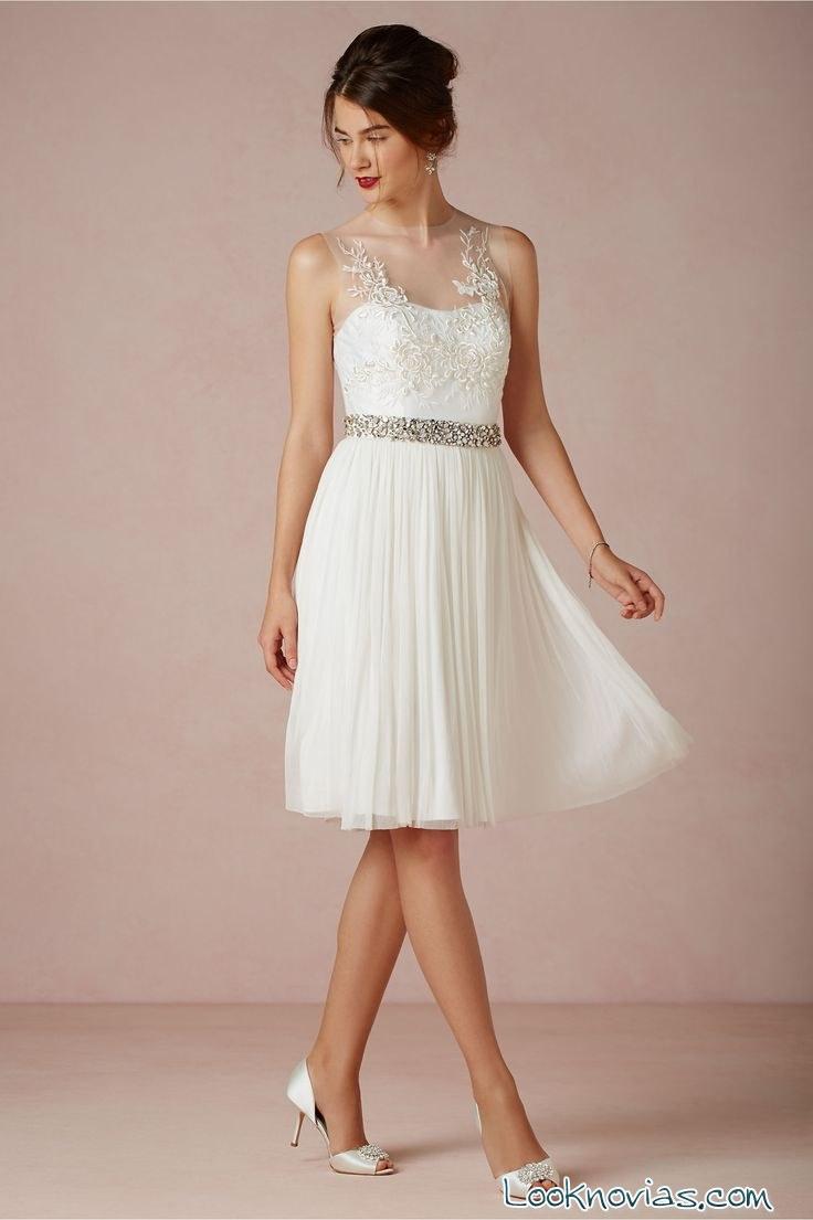 Cuatro vestidos de novia cortos y muy elegantes