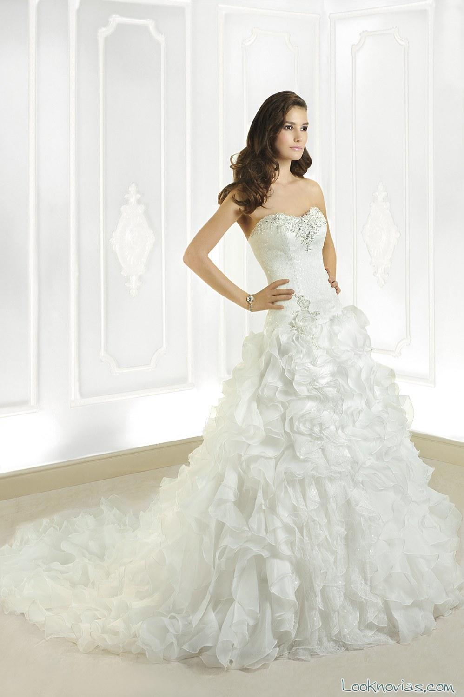 vestido de novia cosmobella con volantes