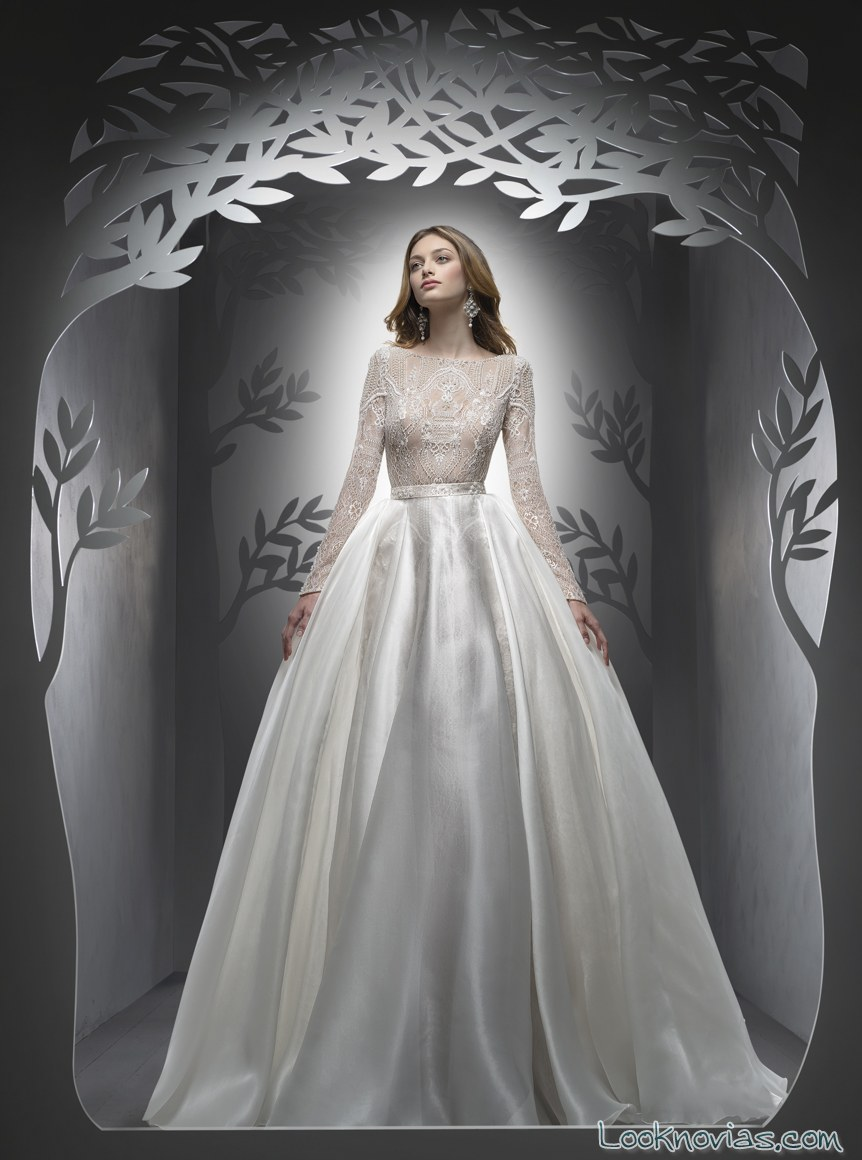 vestido de novia ersa atelier con falda satinada