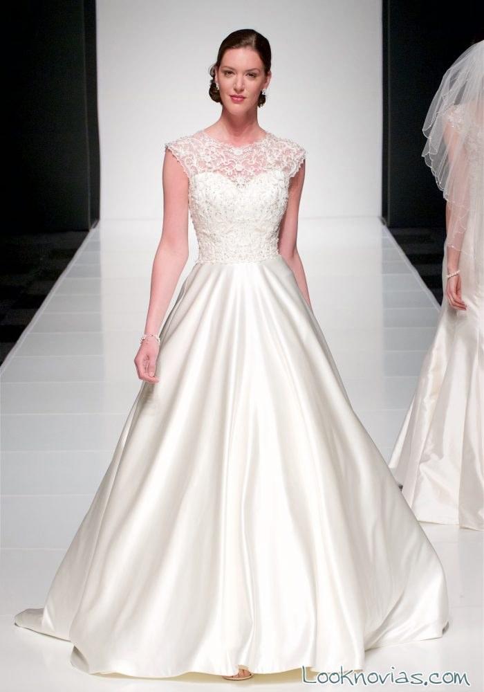 vestido de novia evasé con falda raso