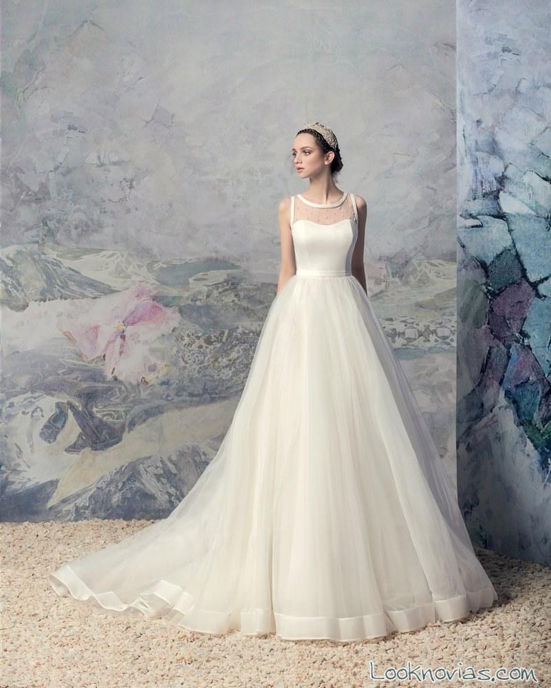 vestido de novia papilio con ribeteados