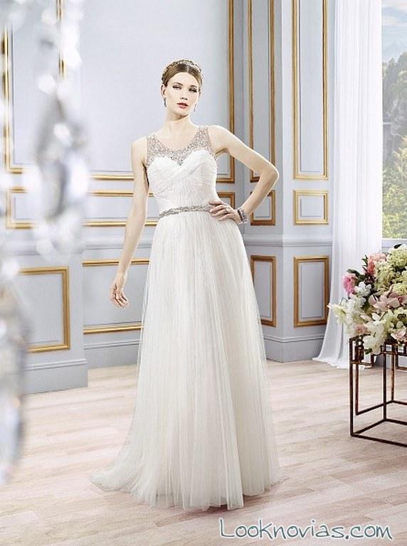 vestido de novia recto con plisado
