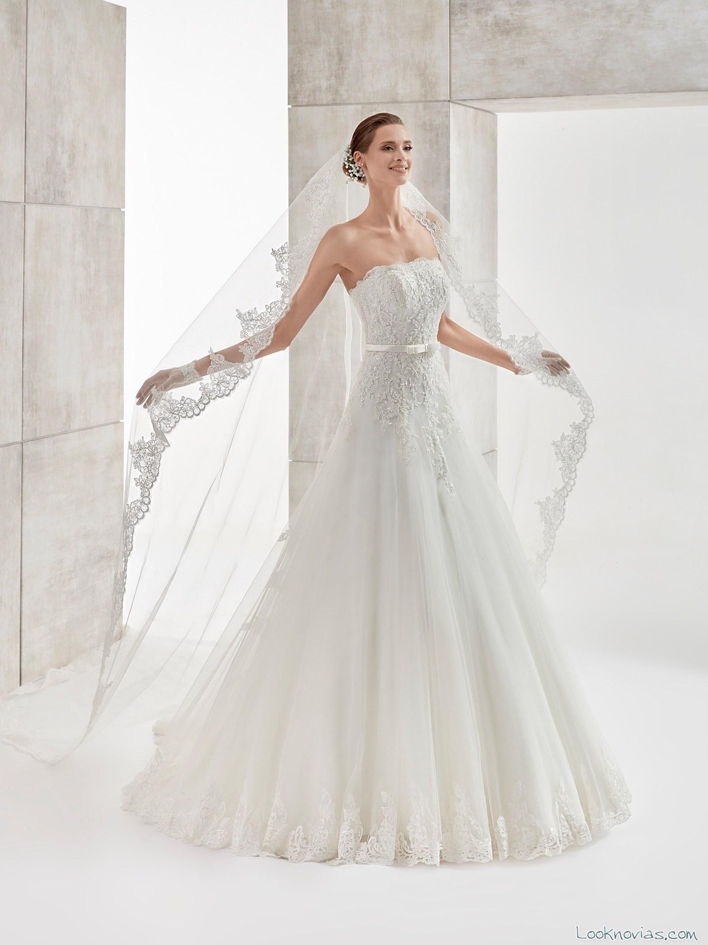 vestido evasé encajes blancos aurora