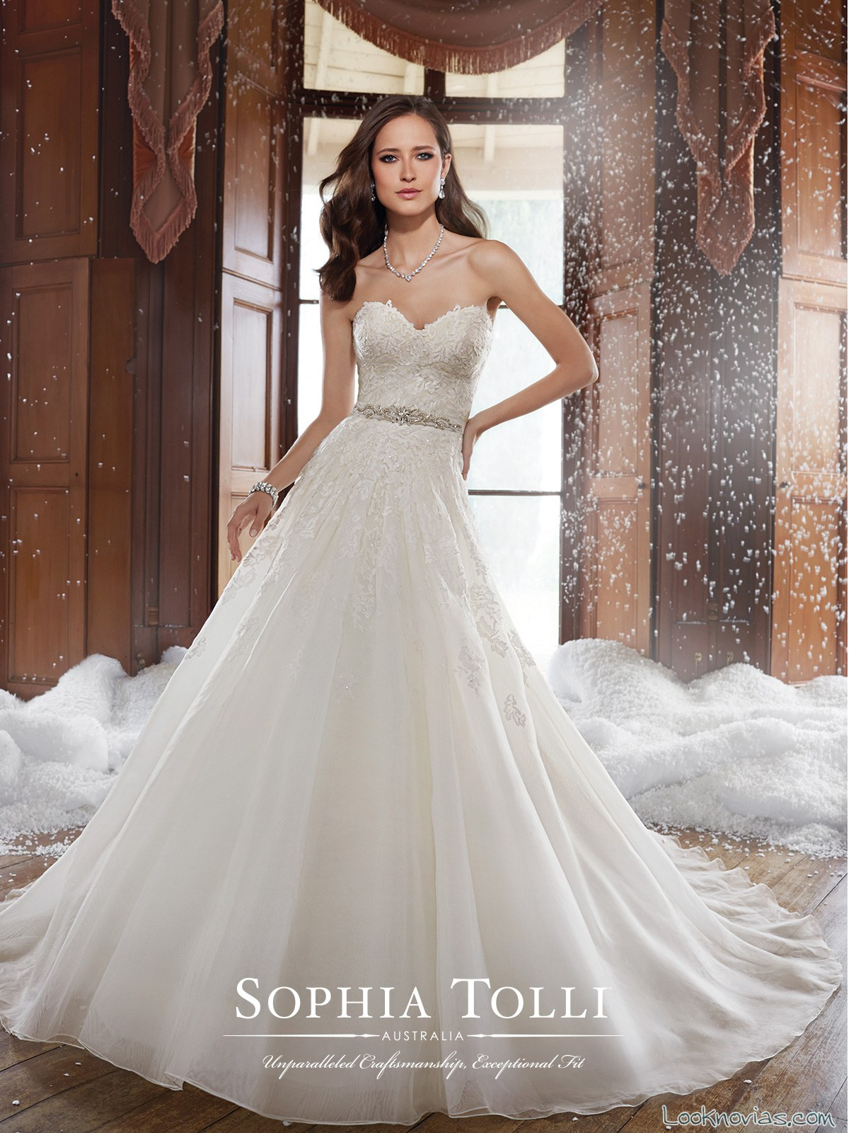 vestido evasé romántico de sophia tolli