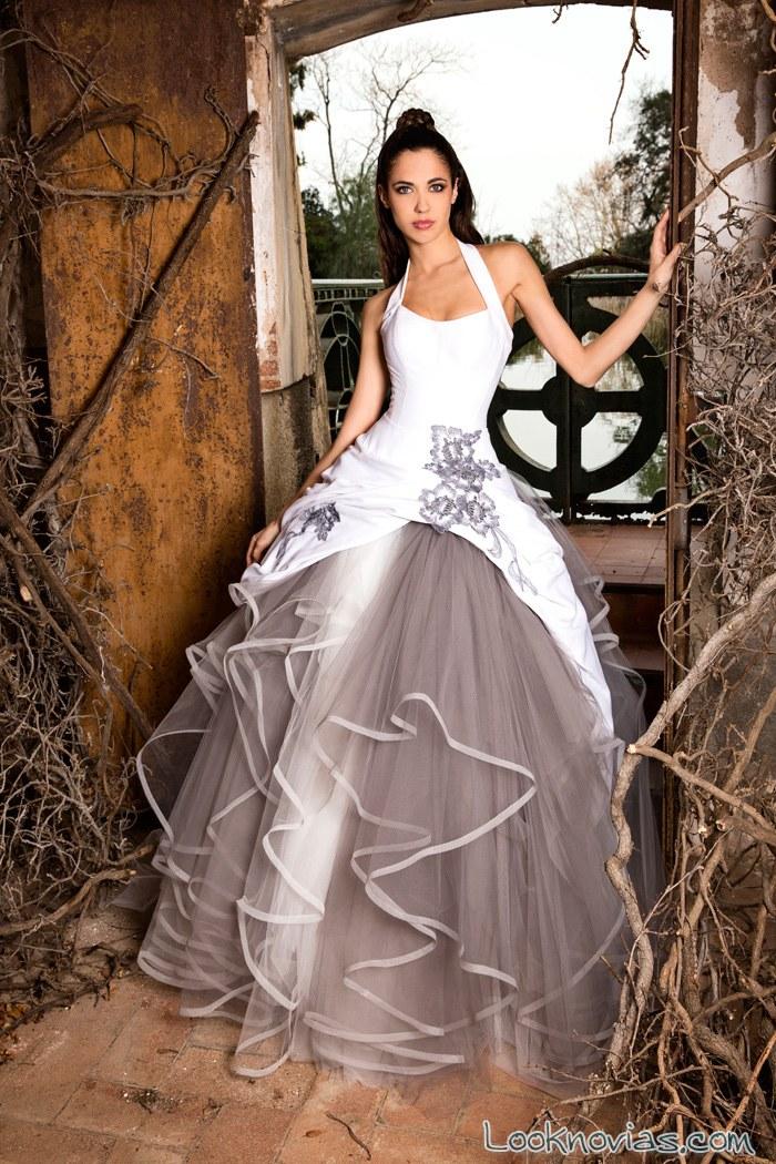 vestido jordi dalmau en color grisáceo