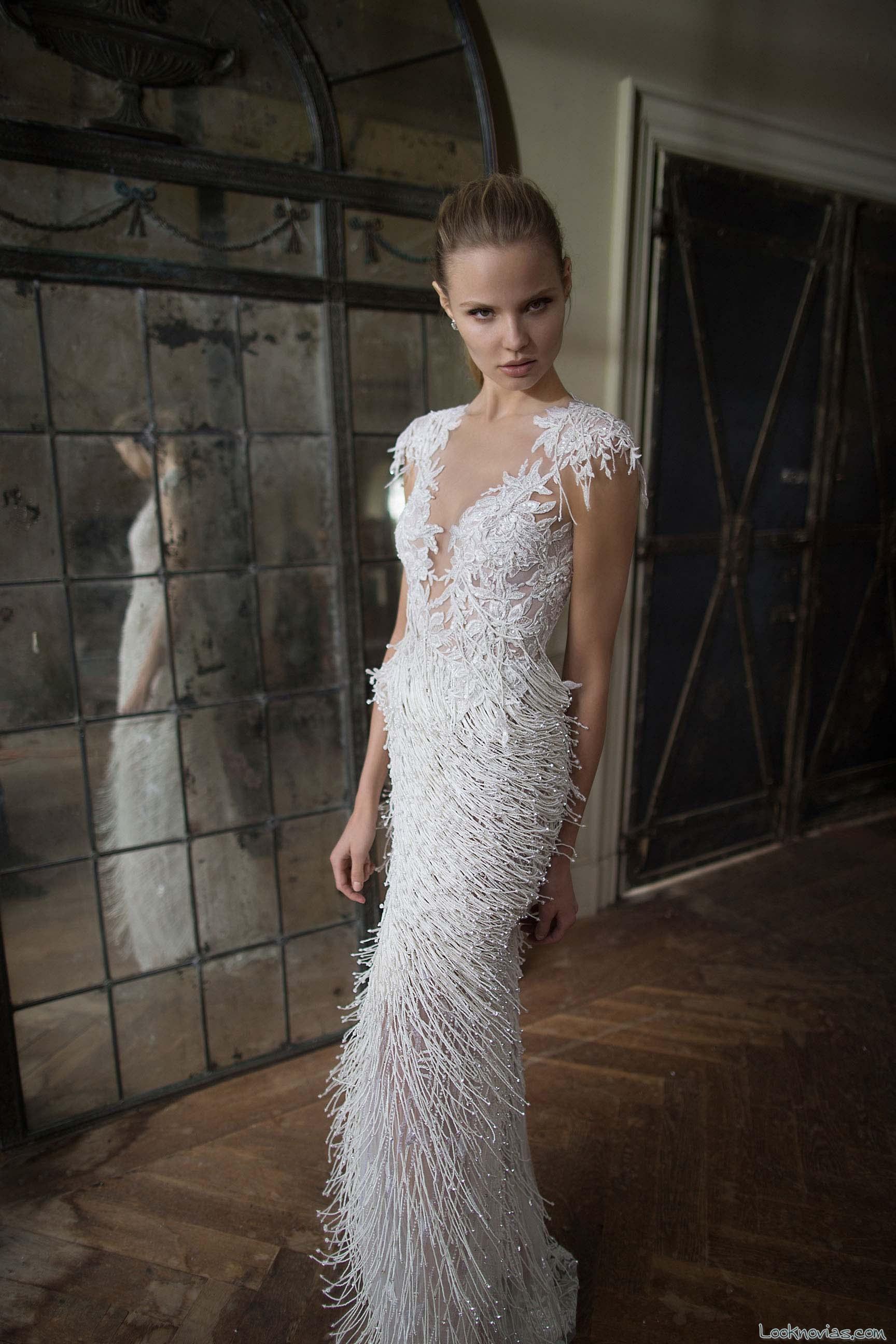 vestido novia con plumas berta bridal