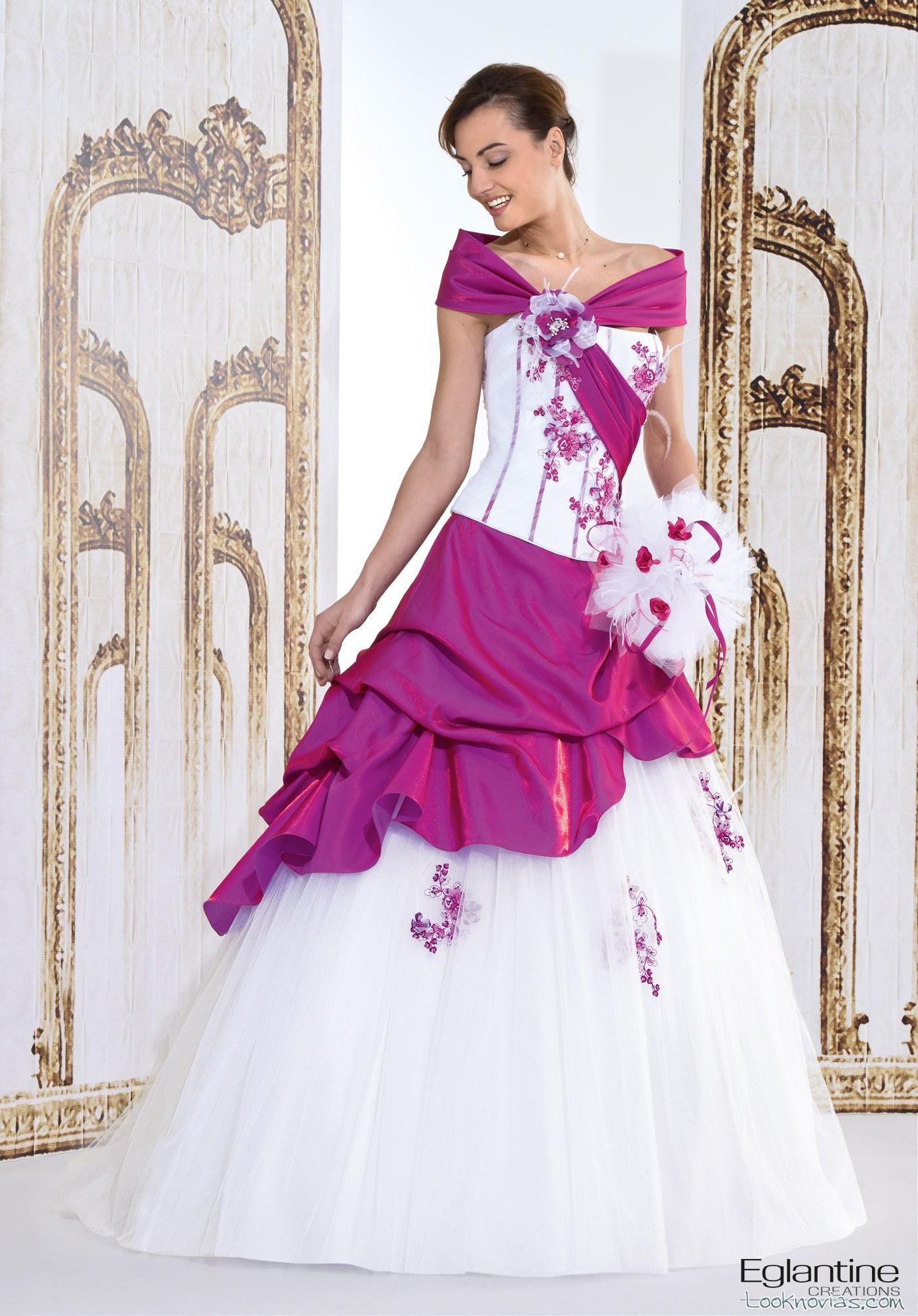 Novedades, color y belleza en estos vestidos para novia