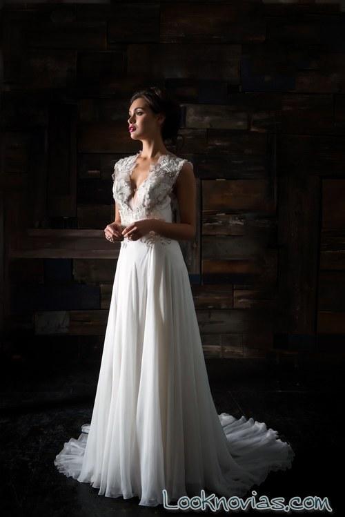 vestido plisado con tirantes bordados carol hannah