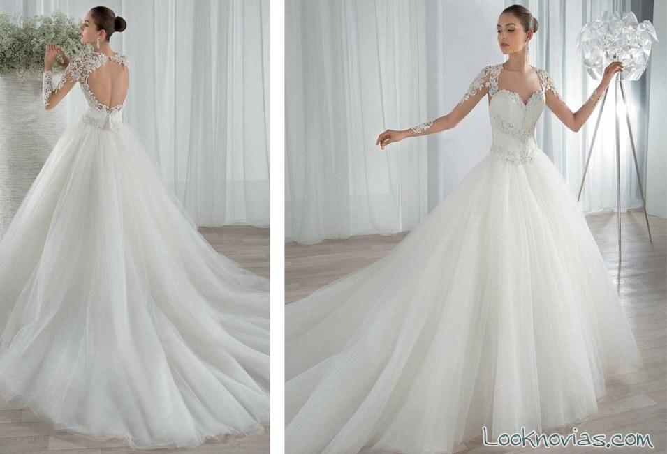 vestido princesa con mangas demetrios en blanco