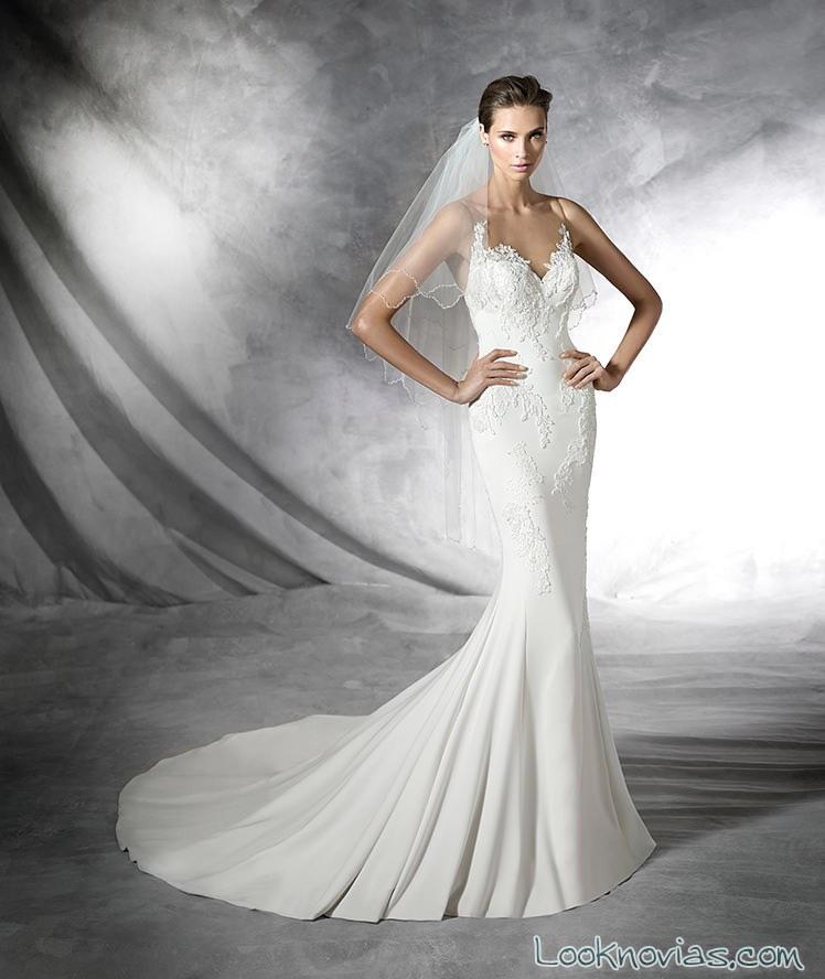vestido pronovias con corte sirena y bordados