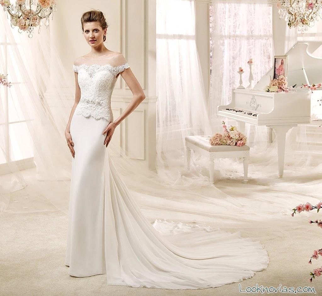 vestido recto y romántico de colet