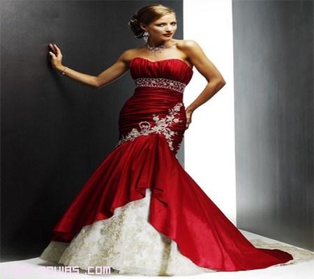 vestido rojo y blanco con encaje