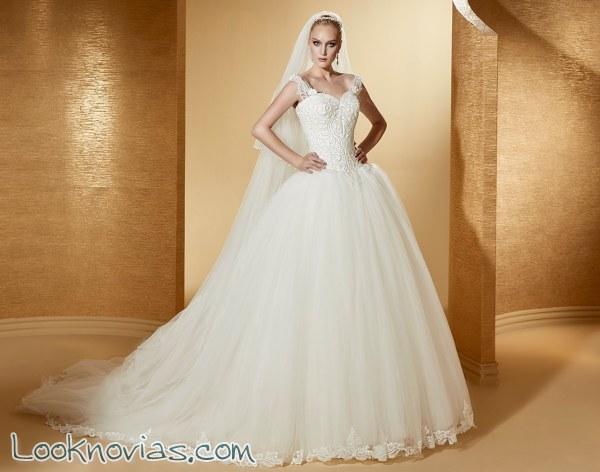 El romance aparece en cada uno de estos vestidos para novia