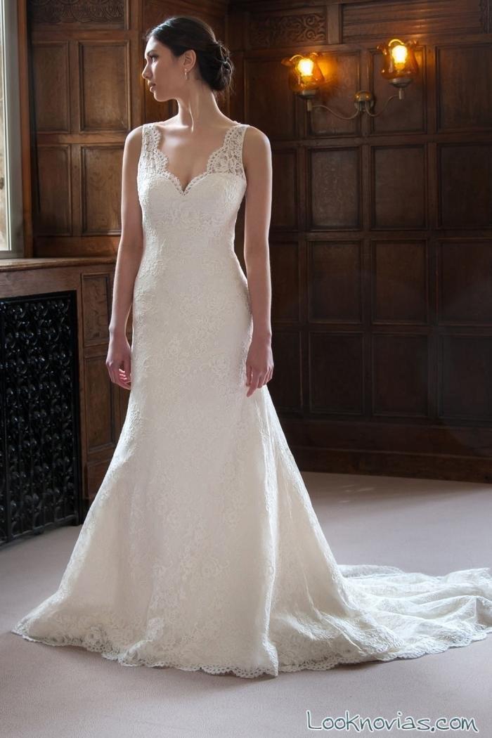 vestido romántico de novia con tirantes de encaje