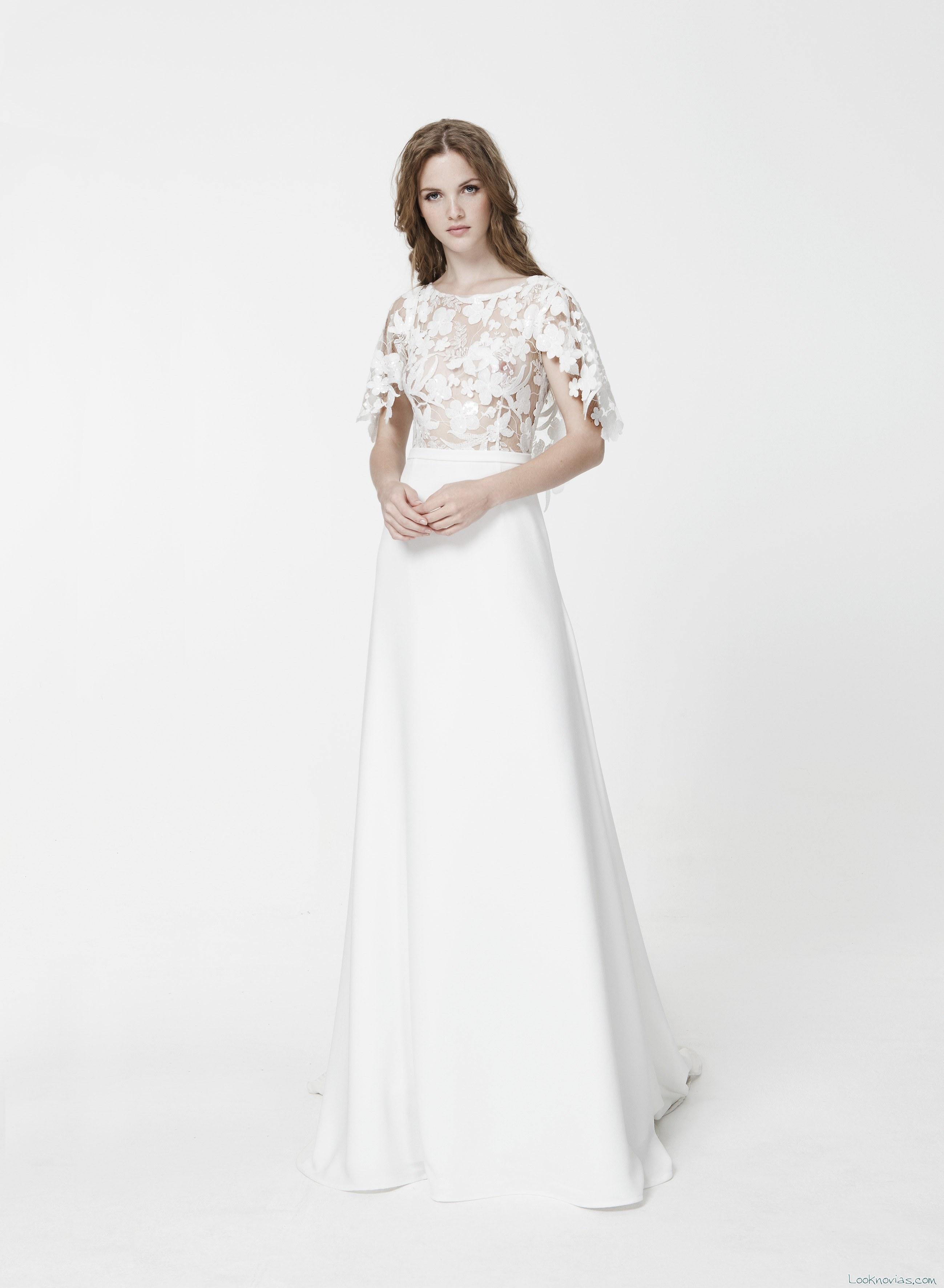 vestido sencillo de novia con cuerpo capa transparentes