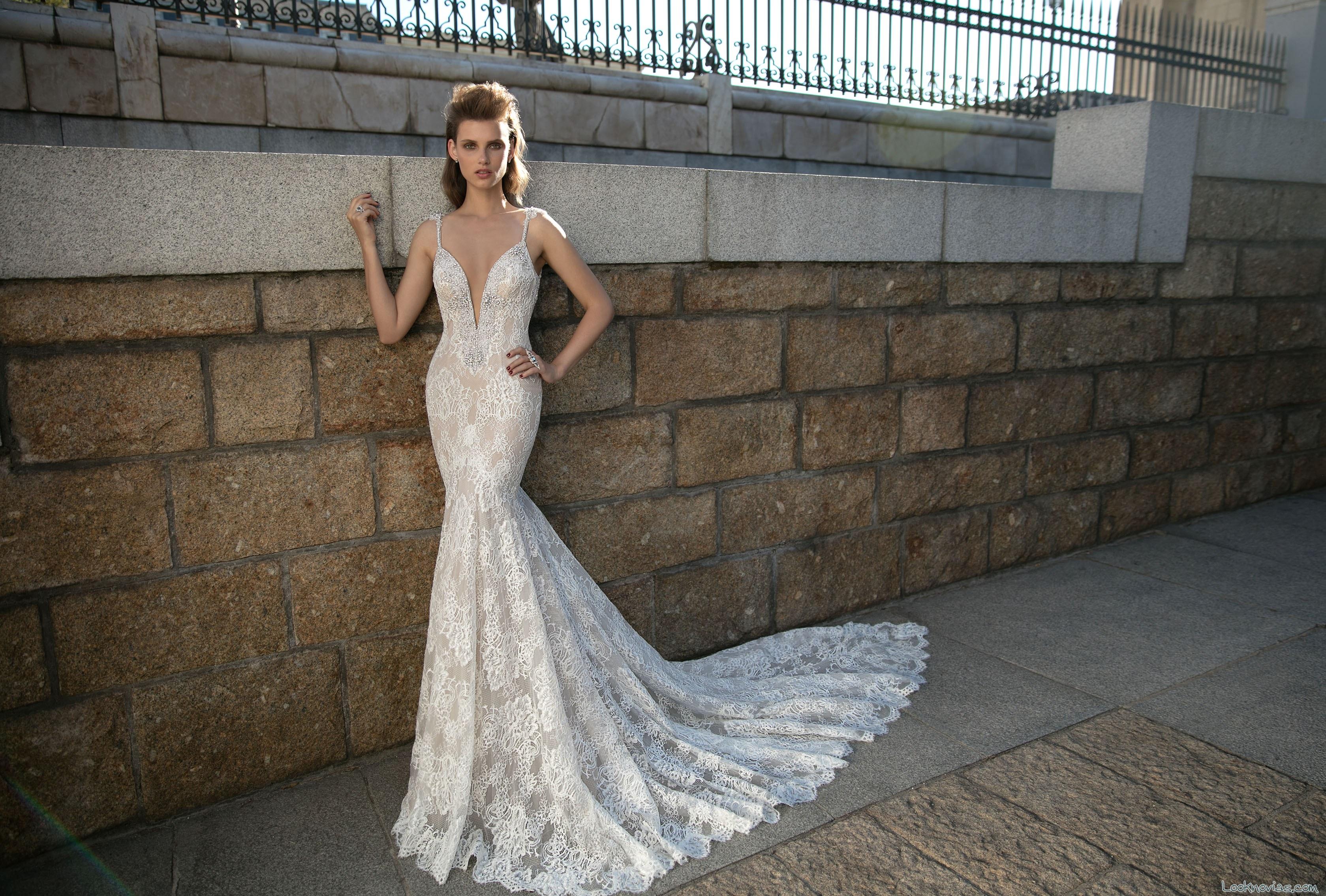 vestido sirena con escote a pico berta bridal