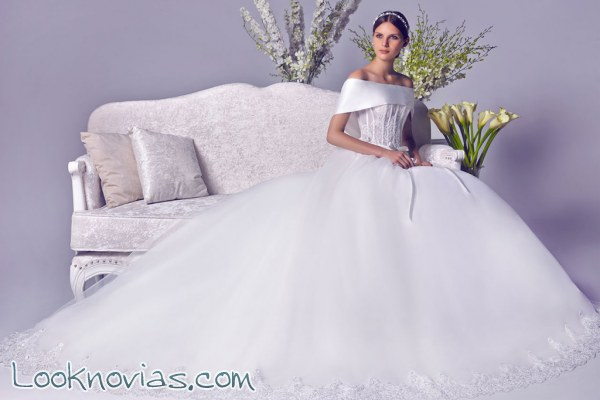 Espectaculares vestidos de novia Amy White