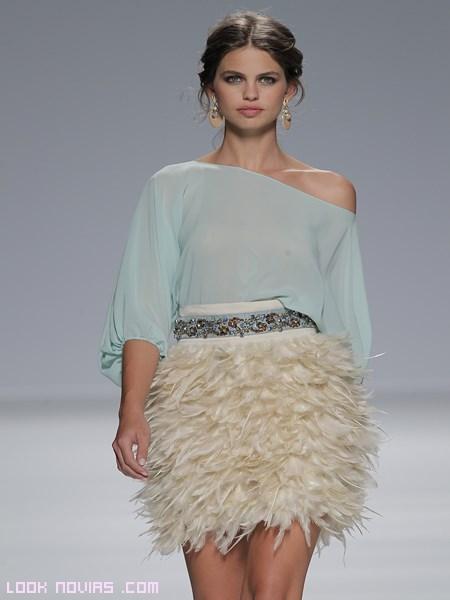 Vestidos de fiesta con plumas online