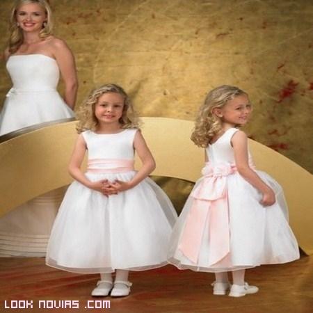Vestidos para las más pequeñas de la boda
