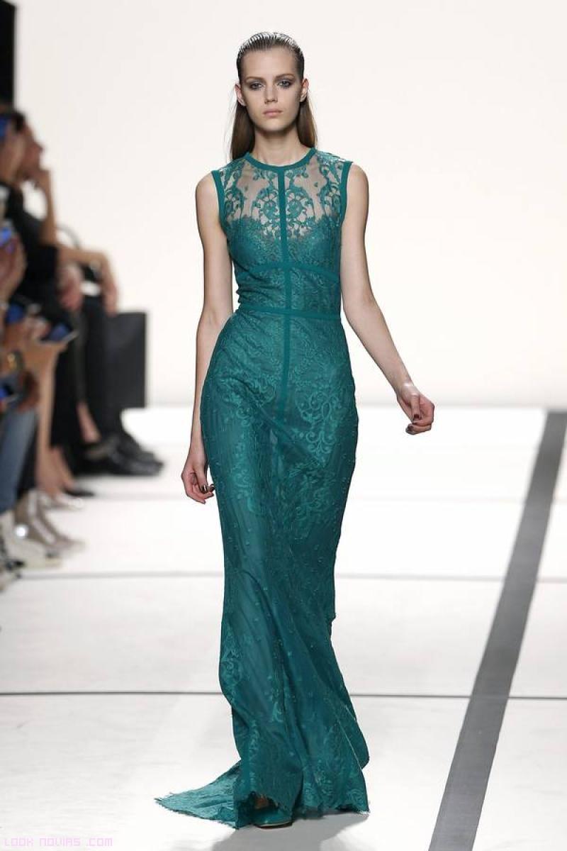 vestidos largos con escote de encaje