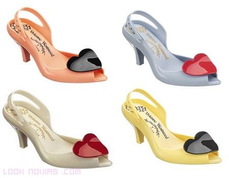 Zapatos románticos con corazones