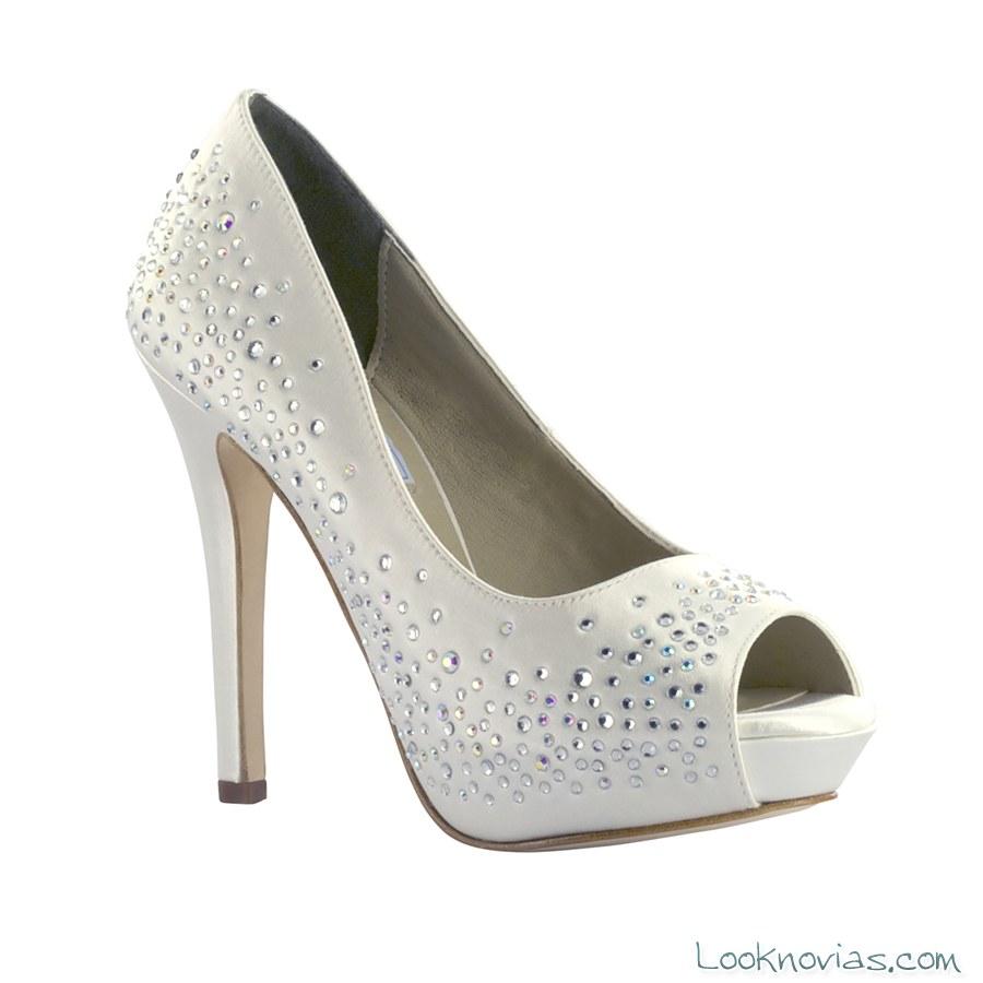 zapatos de plataforma con pedrería