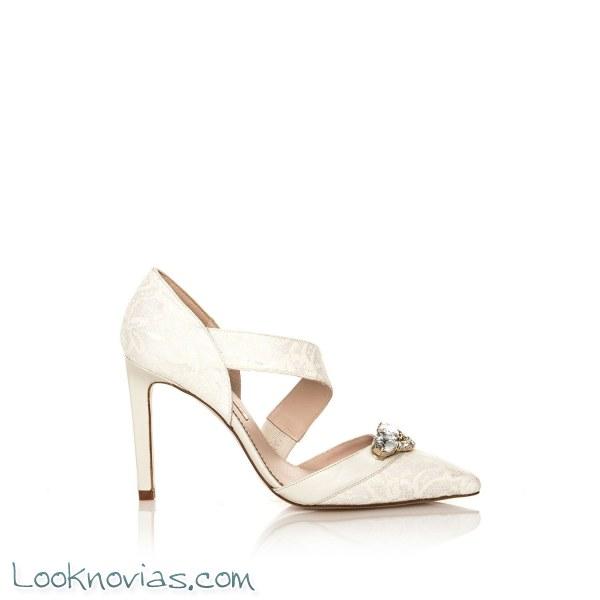 Zapatos de novia por Hannibal Laguna