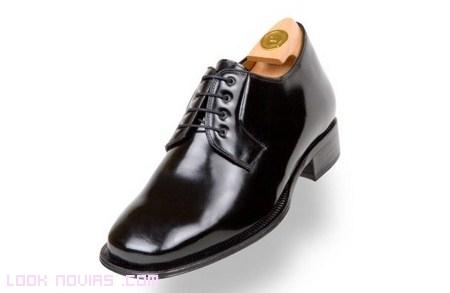 Zapatos con alzas para novios